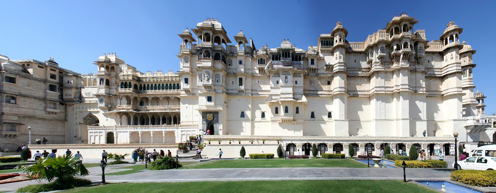 Tourist Attractions of Udaipur- The Venice of East2