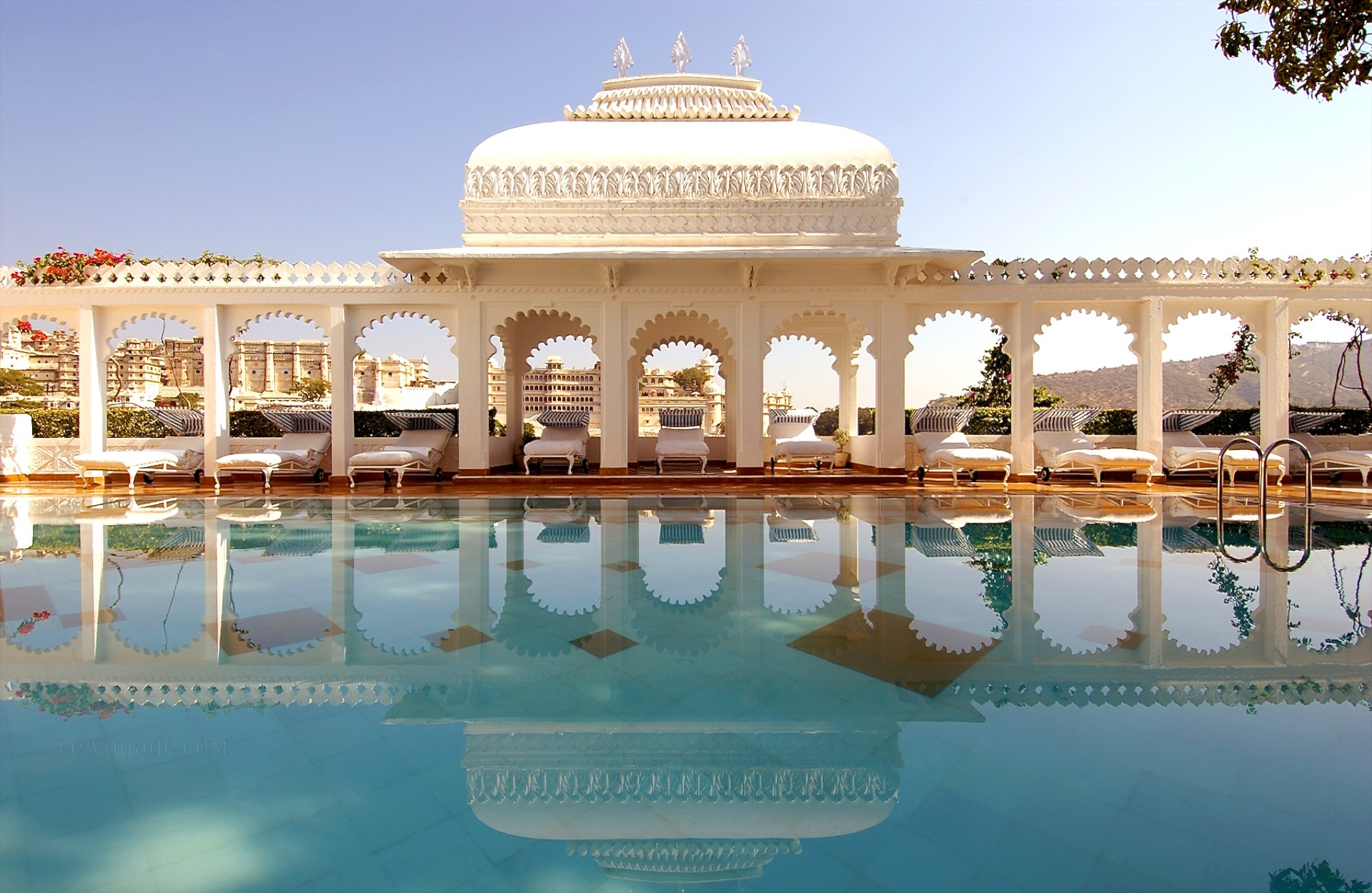 Tourist Attractions of Udaipur- The Venice of East3
