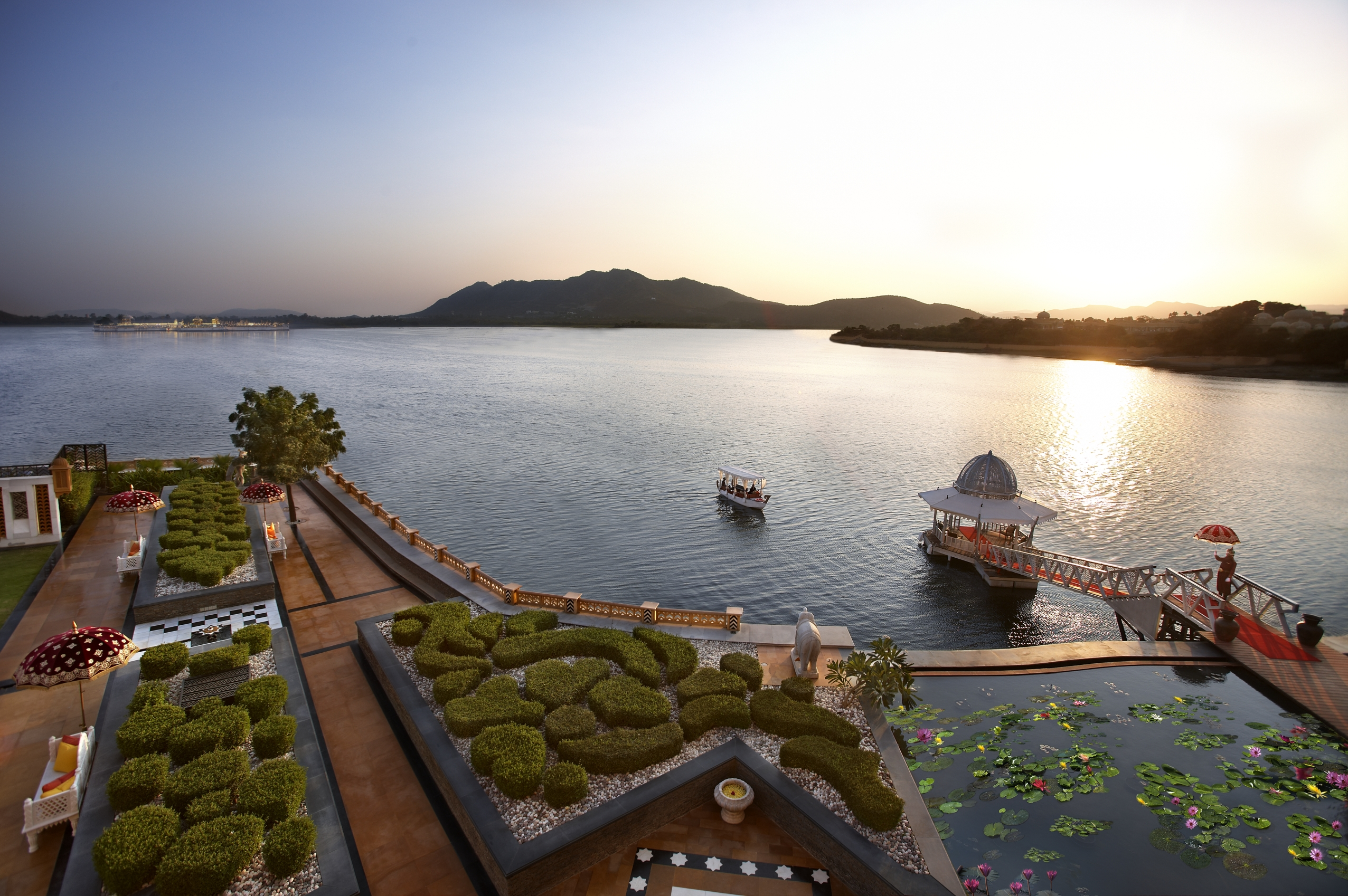 Tourist Attractions of Udaipur- The Venice of East4