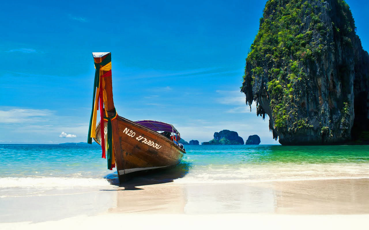 Famous Places to Visit in Phuket1