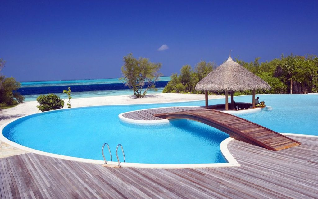 91island-hideaway-maldives-swimming-pool