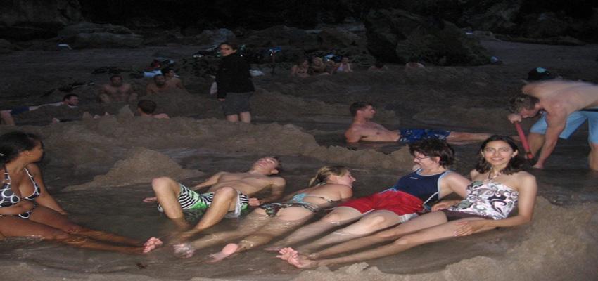 Coromandel peninsula hot water beach in New Zealand