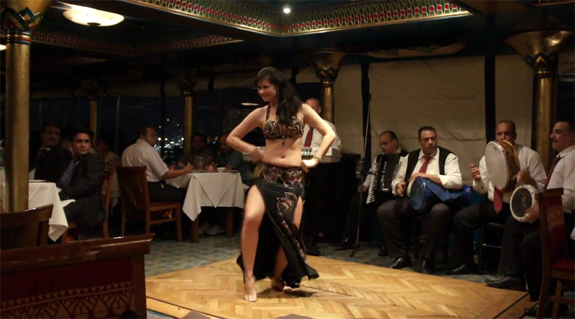 dhow cruise belly dance