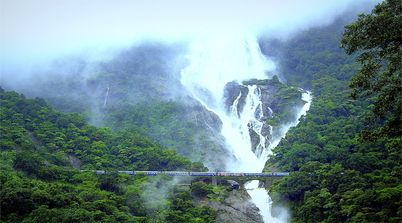 Best Places In India For Memorable Monsoon Holidays Welcome To Traveling To World The Smooth