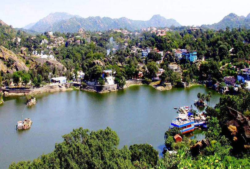 mount abu hill station in rajasthan